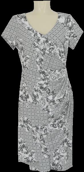 Kleid in schwarz-weiß gemustert