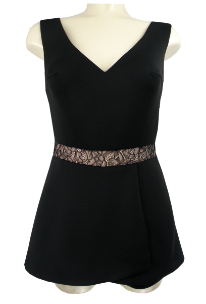 Shorty Jumpsuit in schwarz der Marke LAONA